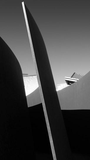 Gehry Serra 2